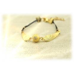 elegantes Armband mit goldenem Schnatz (Snitch), fein gemaserte Kugel und geflochtene Lederbänder Gothic, Punk Fashion