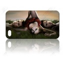 Vampire - Elena und Salvators auf Wiese - iPhone 4 / 4S Handy Schutzhülle - Cover Case