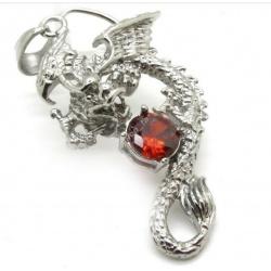 Drachen Anhänger mit rotem Kristall