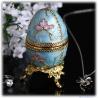 Faberge Ei Replik emailliert mit Schmetterlingsblüten und vergoldet als aufklappbare Schmuckdose