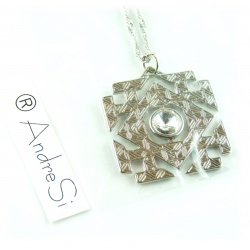 Arkenstein Anhänger mit facettenreichem Zirkon-Kristall, das Königsjuwel der Zwerge Ereburs
