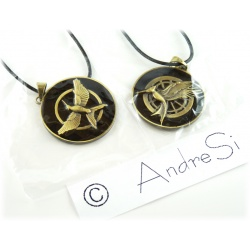 Hunger Games - noble mock-oil pendant *New double black design* old gold/black
