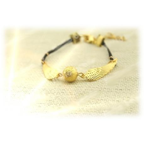 elegantes Armband mit goldenem Schnatz (Snitch), fein gemaserte Kugel